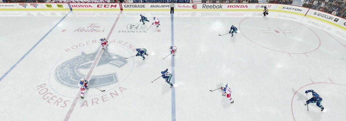 Weak side winger stays in close to the centerman